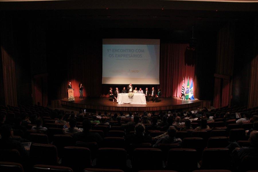 1º Encontro reúne mais de 100 empresários da cidade na Sala Palma de Ouro b7b02771e2827